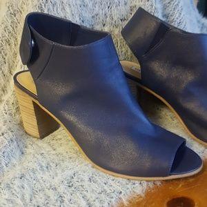 Steve Madden leather heels. Size 10 blue